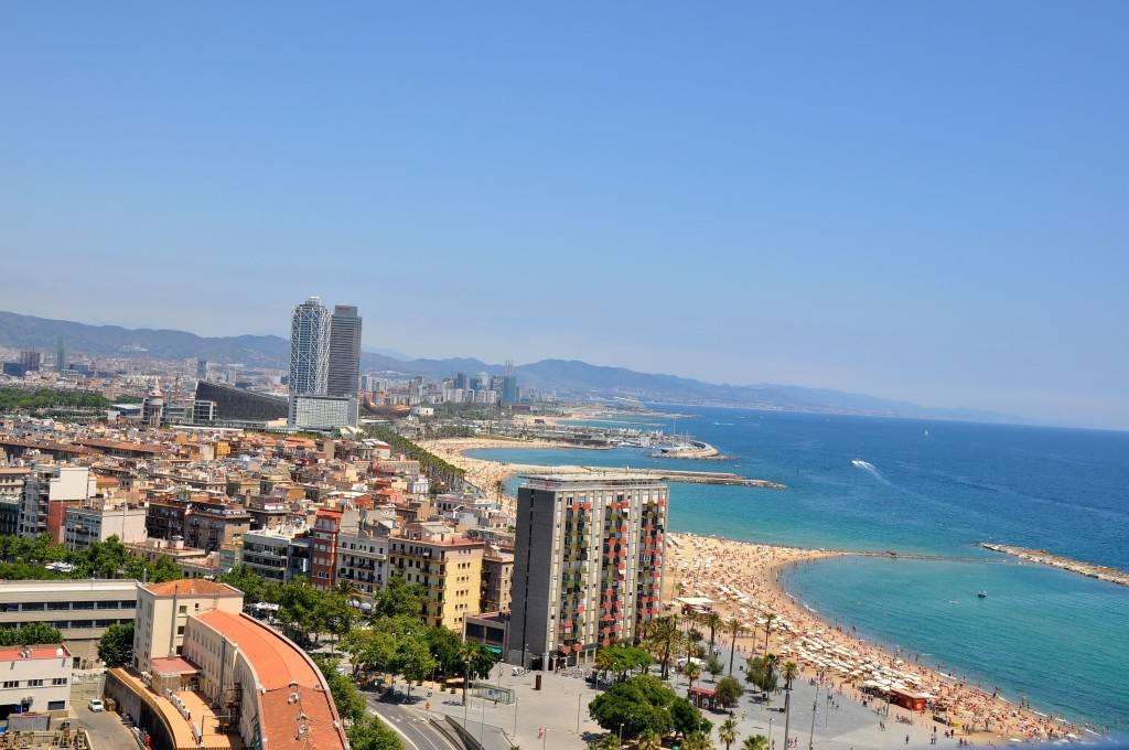 Barcelona attractions - Barceloneta Beach
