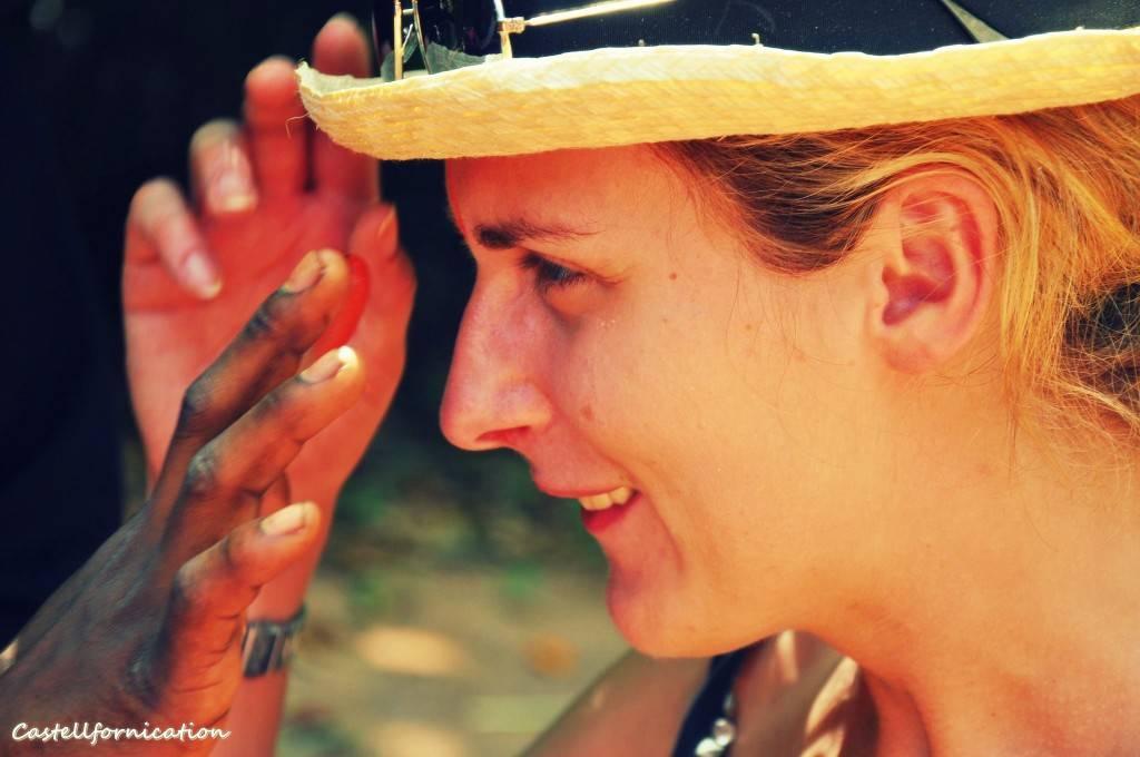 Zanzibar spice tour - Doing the make up