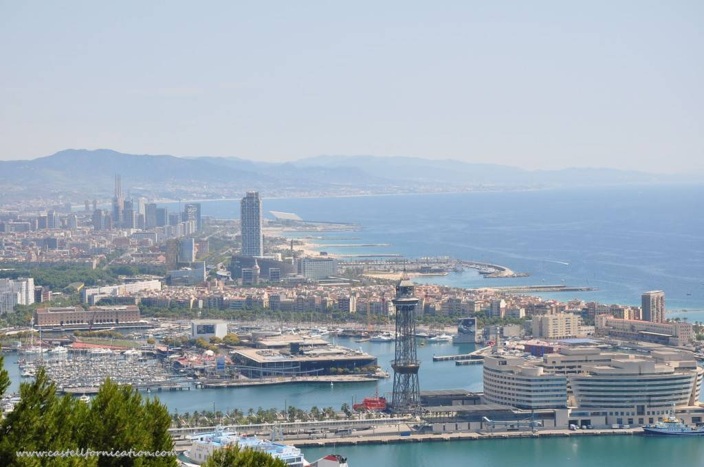 montjuic parc - view on barcelona port