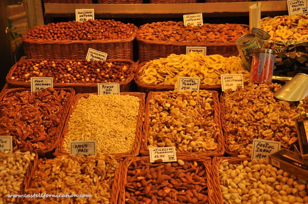 barcelona for free - Nuts in Boqueria Market