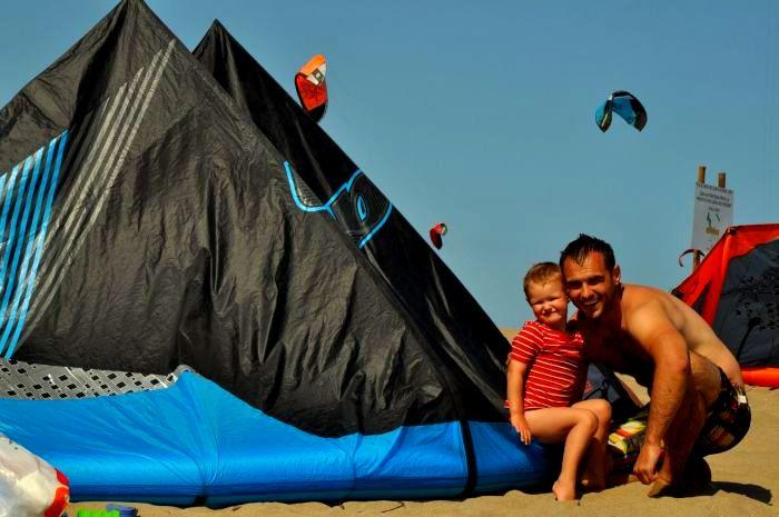 Kitesurfing in Sant Pere Pescador