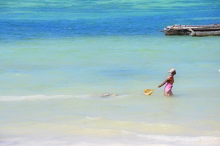 Zanzibar island-With the high tide comes, it's time to leave the ocean